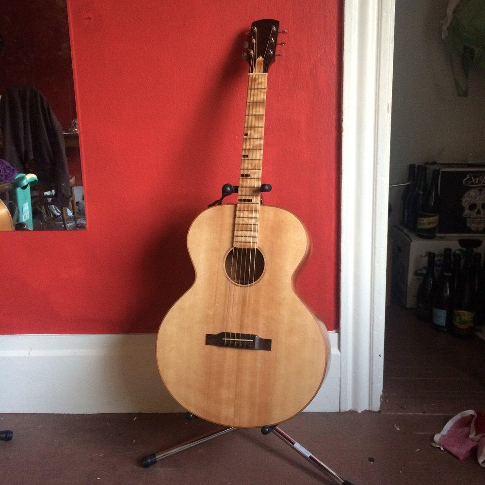 RB-000 Acoustic guitar