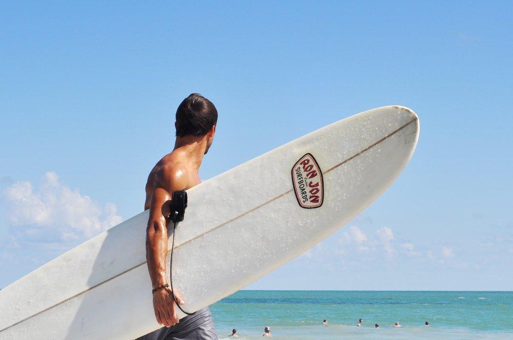 Satara Byron Bay Surfing Lessons