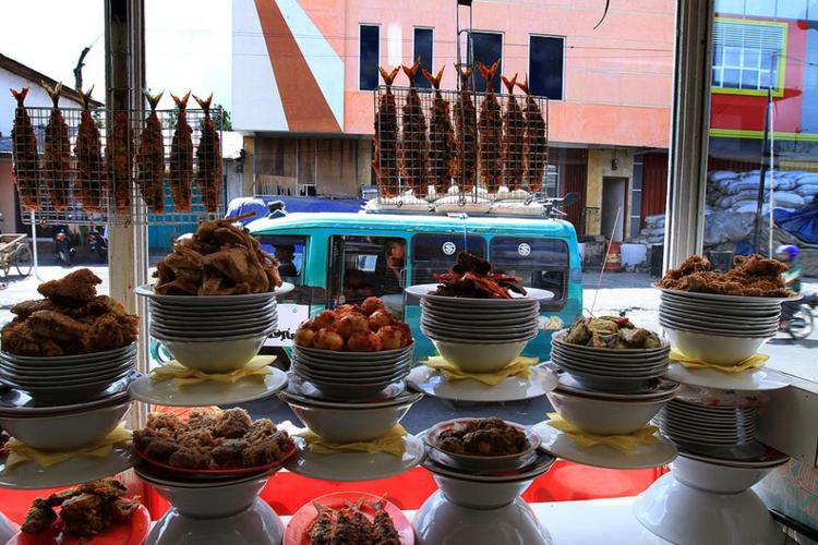 TVOF-Blog-Flores-Food-4.jpg