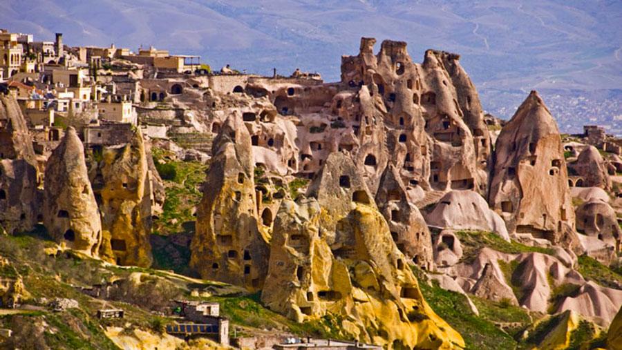 FA-Patrimoine-_troglolabyrinthe-Cappadoce.jpg