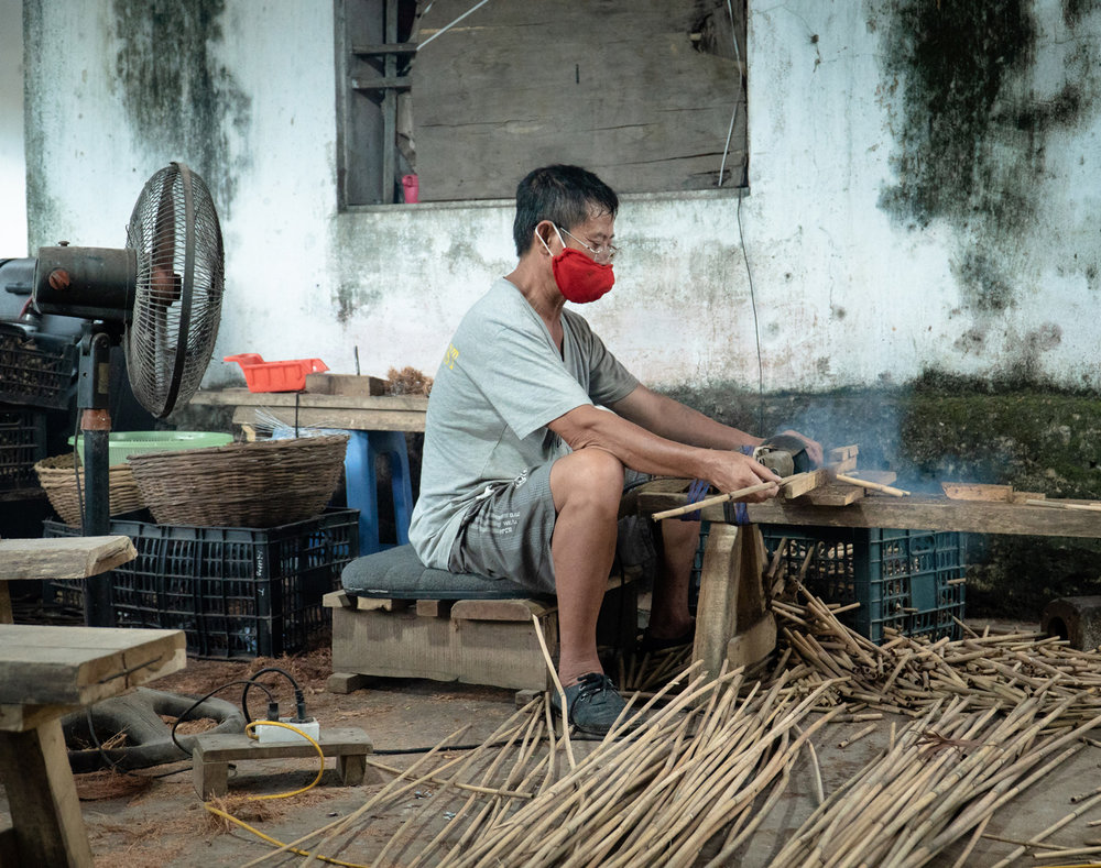 Cutting-Bamboo-For-Straws-Jungle-Straw-Single-Straw-Pouch.jpg