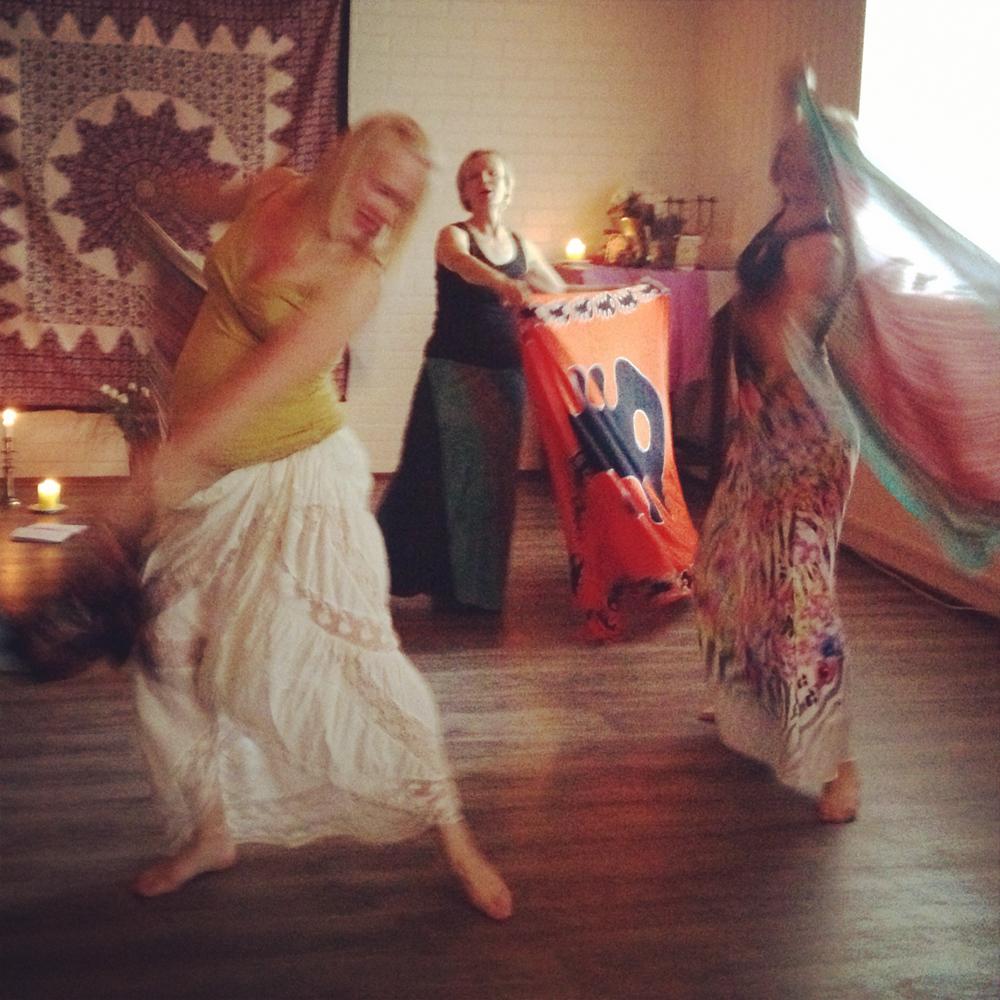 Jumalatar_tanssi