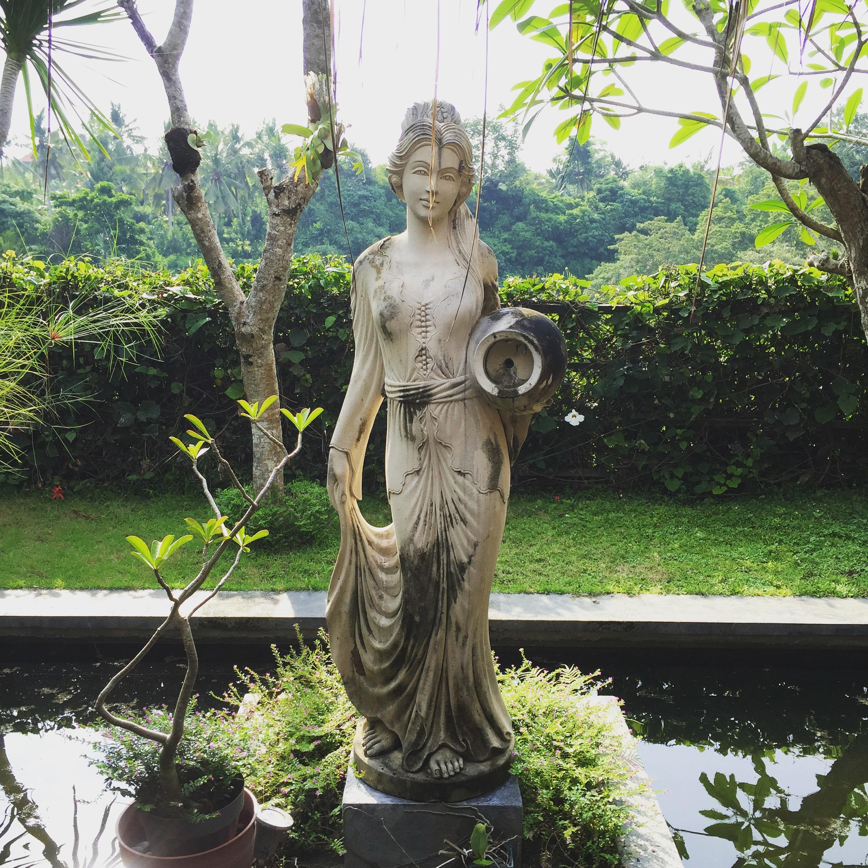 Luovuuden, kauneuden ja myötätunnon jumalatar Saraswati