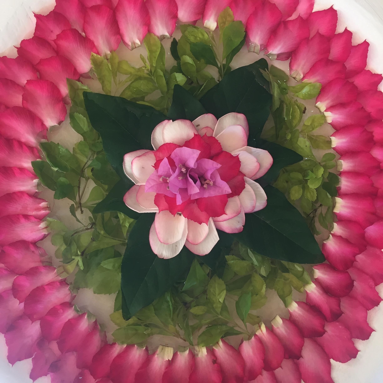 Kukkamandala Balilla. Kauneutta on kaikkialla!
