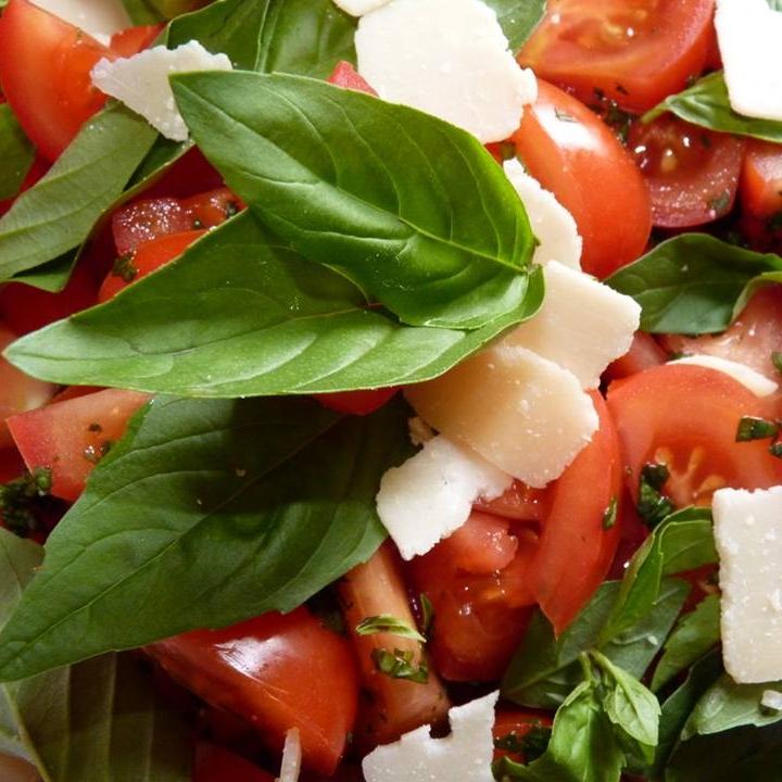 tom salad.jpg