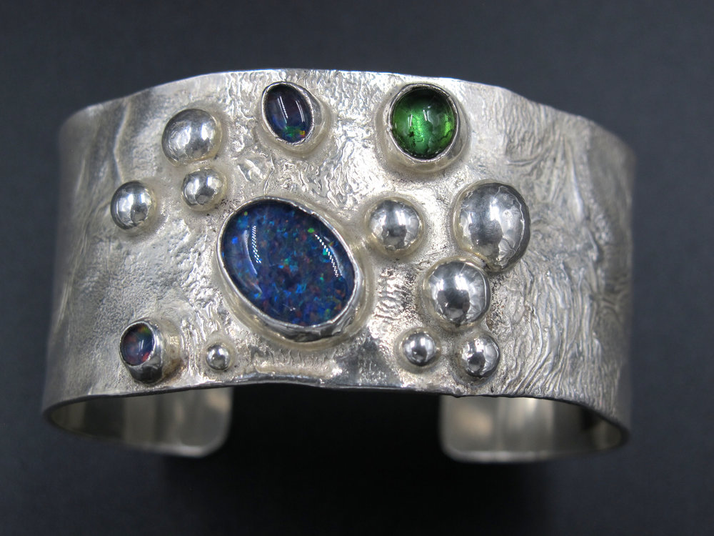 Exquisite jewellery handcrafted by Sally Ratcliffe