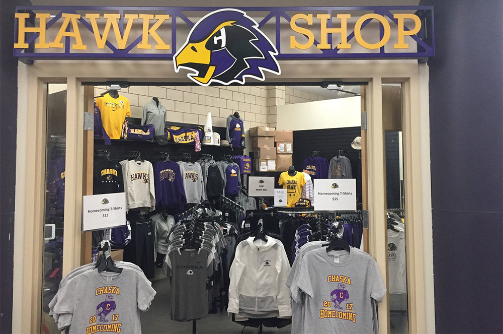 Volunteer Opportunities - The Chaska High School Hawks Booster Club is always looking for volunteers to help staff concessions and the Hawk Shop and serve on our many committees. Volunteering is open to everyone, not just members!Volunteer for Concessions »Volunteer for Hawk Shop »
