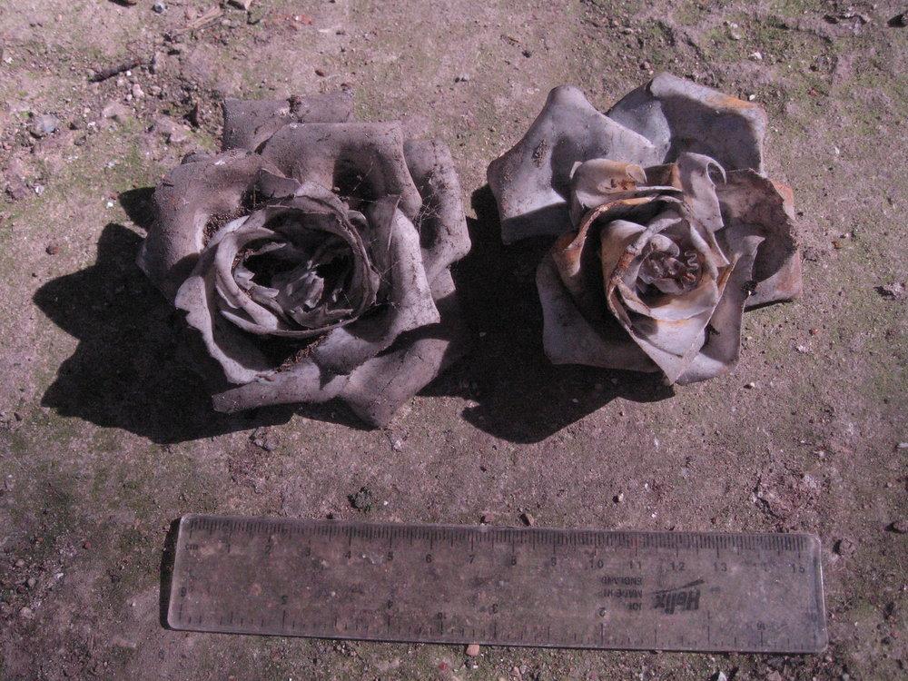 95 - SF 2, ceramic roses.JPG