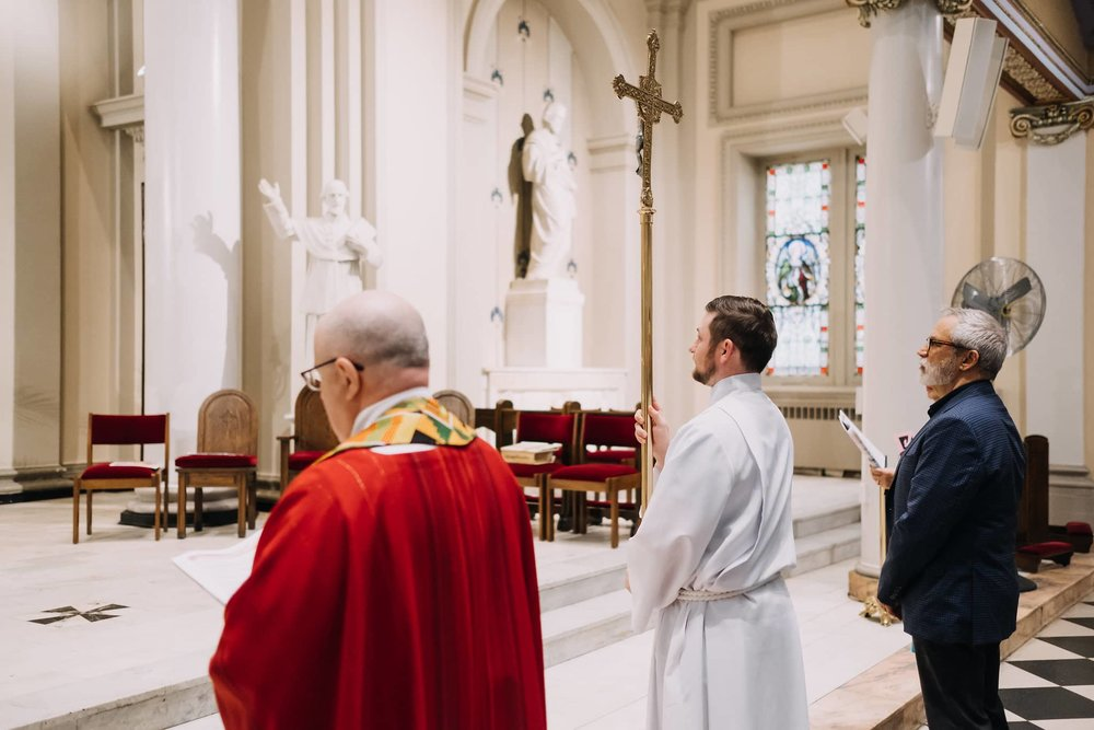 altar-servers-mass-st-francis-de-sales-church-new-york-city.jpg