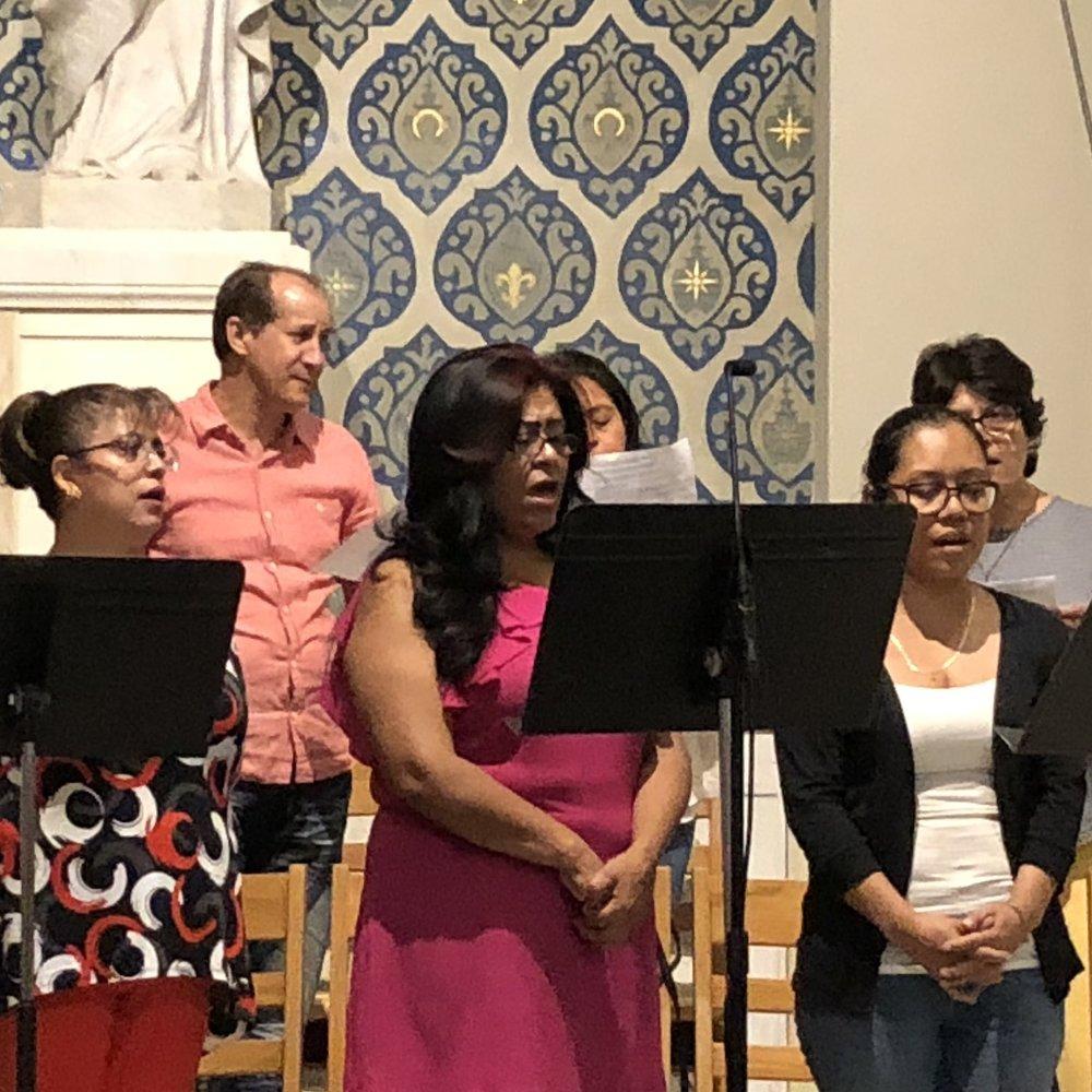 coro-espanol-san-francisco-de-sales-iglesia-nueva-york.jpg