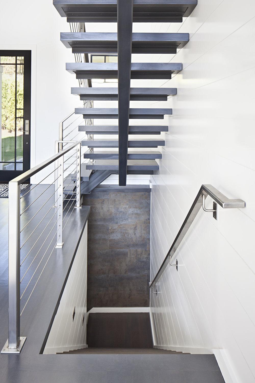 stairs basement.jpg