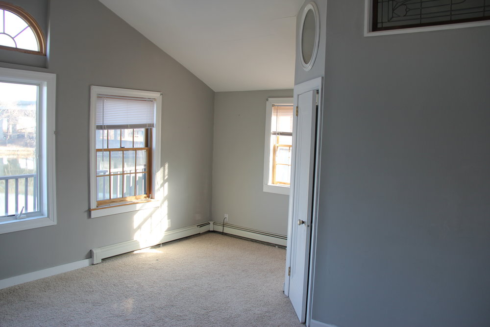 old master bedroom 2.JPG