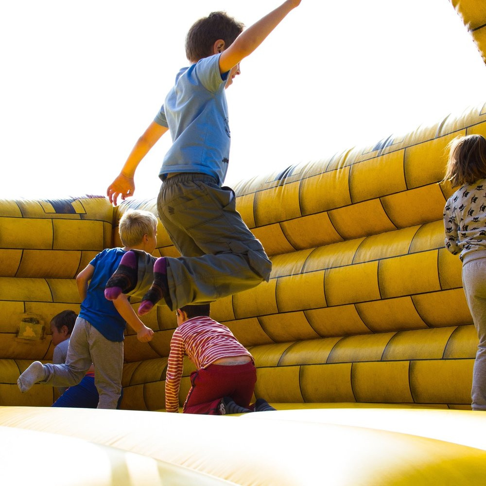 action-activity-bouncy-castle-296308.jpg