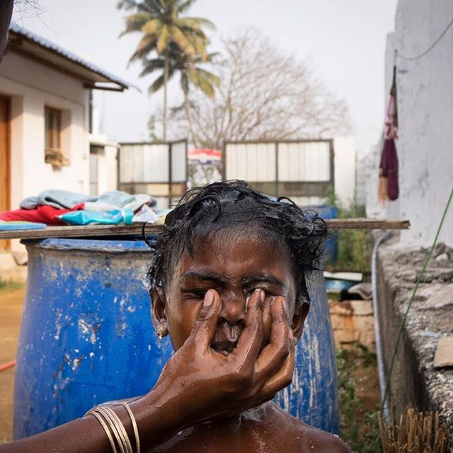 Bath time! Observing daily life in Chettipalayam, home to many GPS students. Photo by: Karthika S #studentart #digitalstorytelling #sonycanada #cause #firstcapturestudios #artforchange #beautifulindia