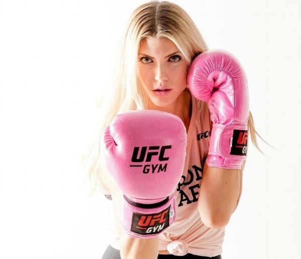 Shanie UFC.jpg