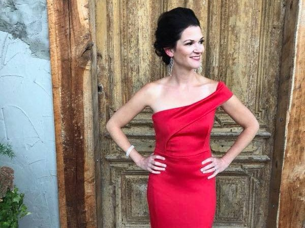 Christine won the 2018 Glow Getter Award presenter by Mrs. Kentucky Sloan Reid.