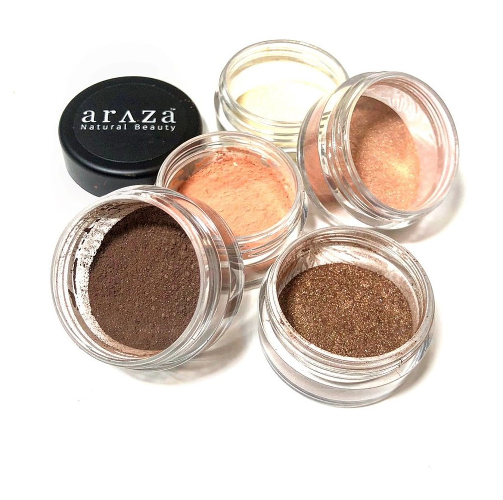 The Platform Kelli Tennant, travel beauty essentials, nontoxic, clean, healthy, eyeshadow