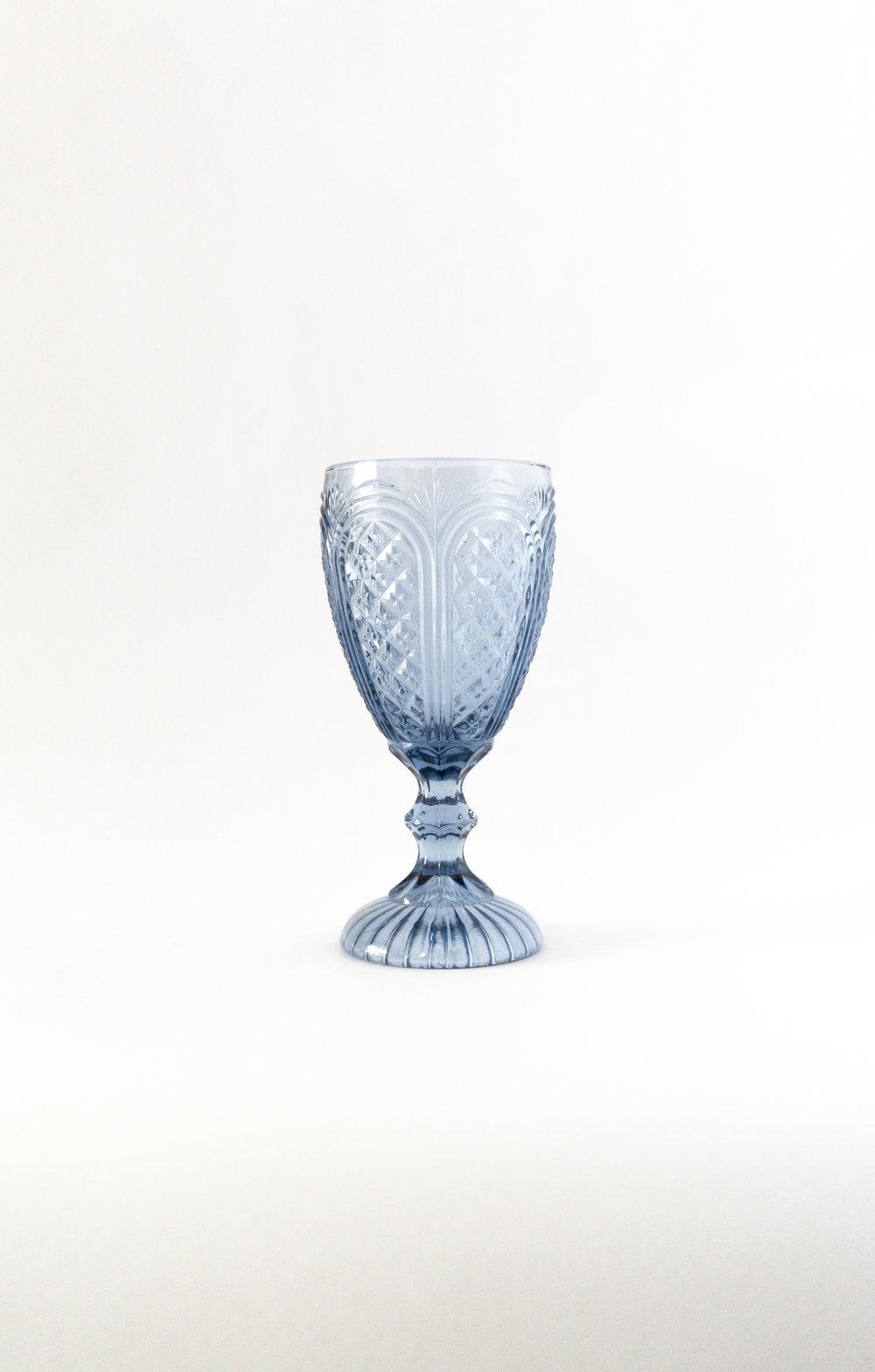 Blue Carousel Goblet   11 oz