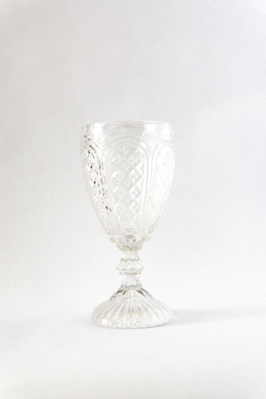 White Carousel Goblet   11 oz