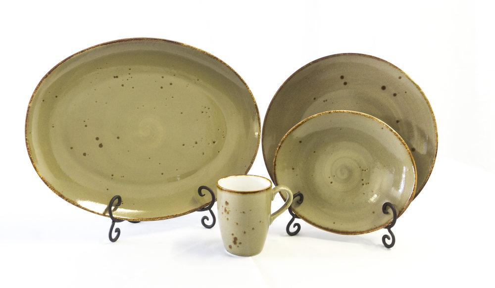 erthe dinnerware 2.jpg