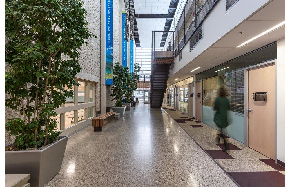 Centre de Santé Marcel A. Desautels, interior photo of atrium from main floor / Photo:  Lindsay Reid