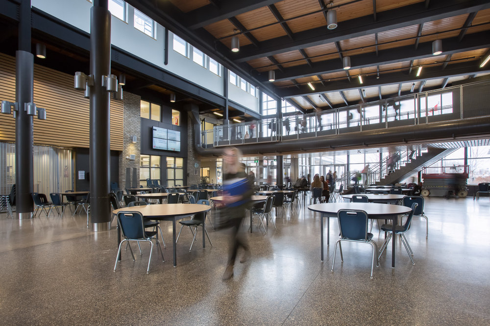 Northlands Parkway Collegiate, interior photo of the commons area / Photo:  Lindsay Reid