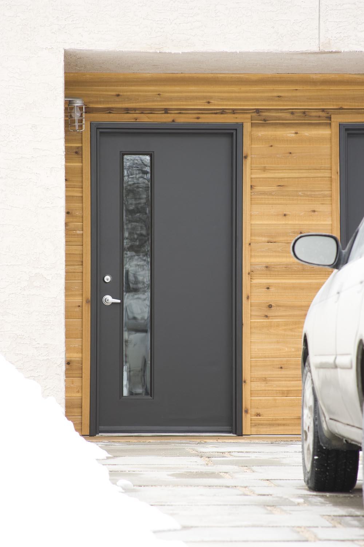 ec:O, exterior photo of front door
