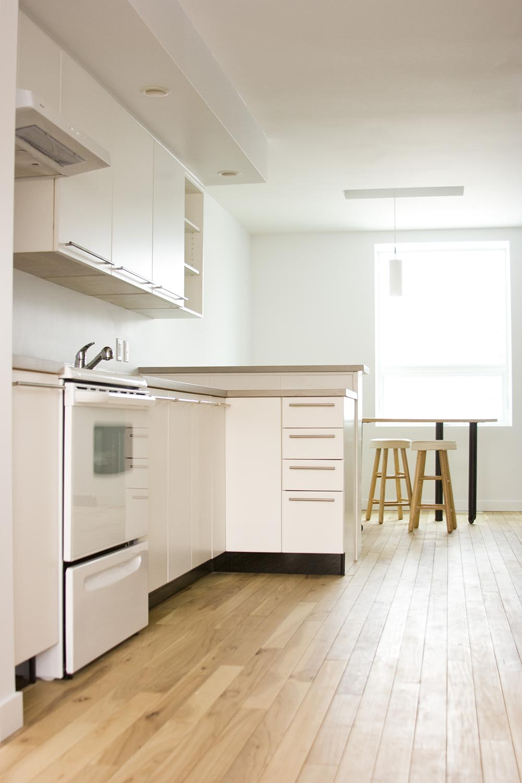 ec:O, interior photo of kitchen