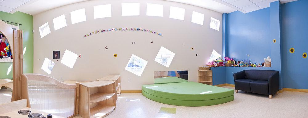 Makoonsag Daycare, interior photo of infant room / Photo: Derrick Finch