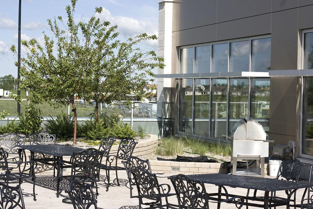 Qualico Winnipeg, exterior photo of patio / Photo: Tracy A Wieler