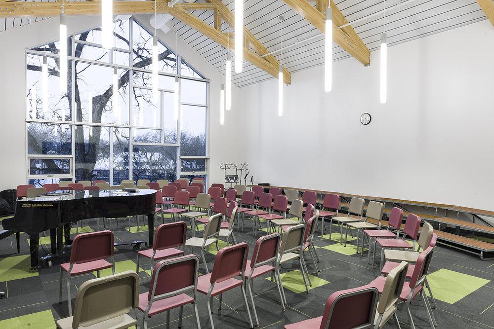 Westgate Mennonite Collegiate, interior photo of music hall