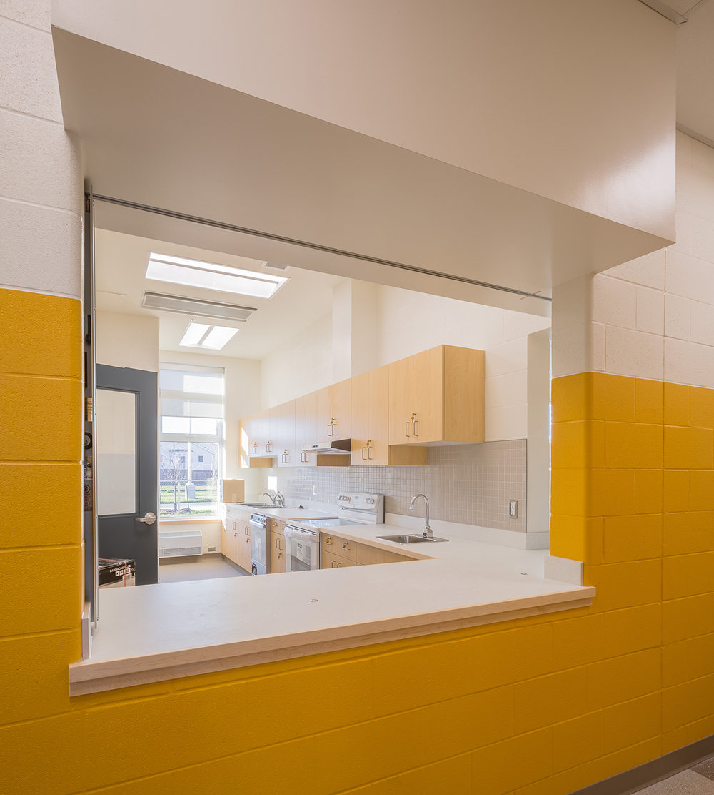 Ecole-Riviere-Rouge-interior-daycare2.jpg