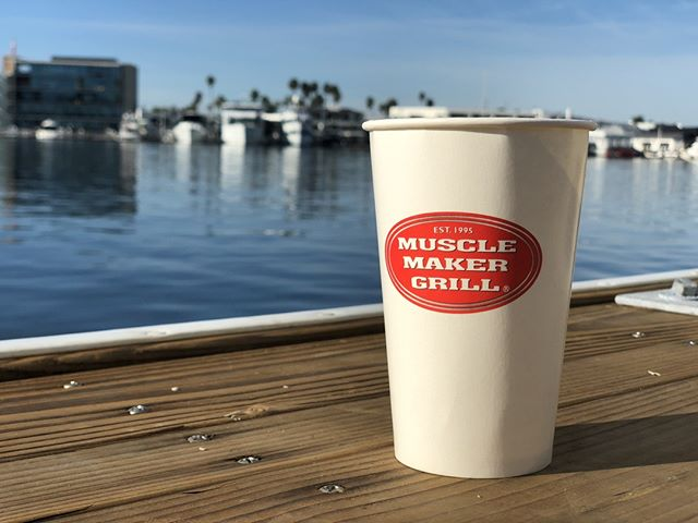 Lunch  break views 🌊 . . Muscle Maker Grill is doing their part to eliminate waste going into our landfills by using #reCUP for their cold beverages! Keep up the good work! ♻️🌱