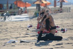 Beach_Yoga_0400-300x200.jpg