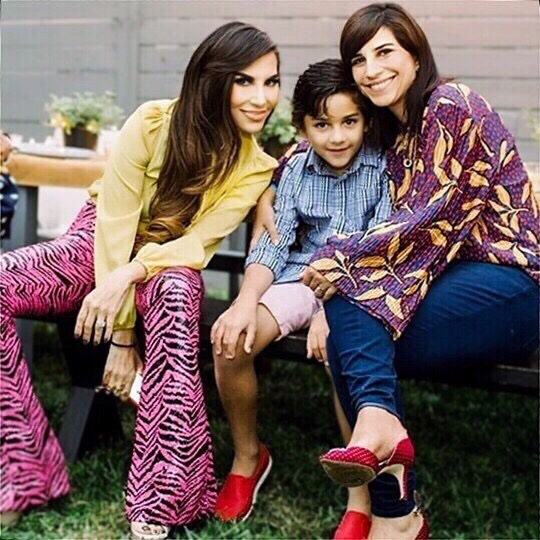 Attitudes are contagious make sure yours is worth catching. Your vibe attracts your tribe. Here with Santiago and Menchu, we wish you a wonderful Saturday night. My pink sequins zebra pants are a great twist to the animal print trend. Make it count. - - ⠀⠀ #themodernrule #sisters #familymoments #fashiondiaries #streetstyle #styleinspo #lgbtfamily #lookbook #stylish #lifestyleblog #styleinspiration #girlboss  #IGDC #MyDCcool #ACreativeDC #DCBlogger #Latina #visitspain #familyphotoshoot #couplesphotography #familyphotography #travelphotography #styleover40 #latinastyleblogger#elisendalinhares