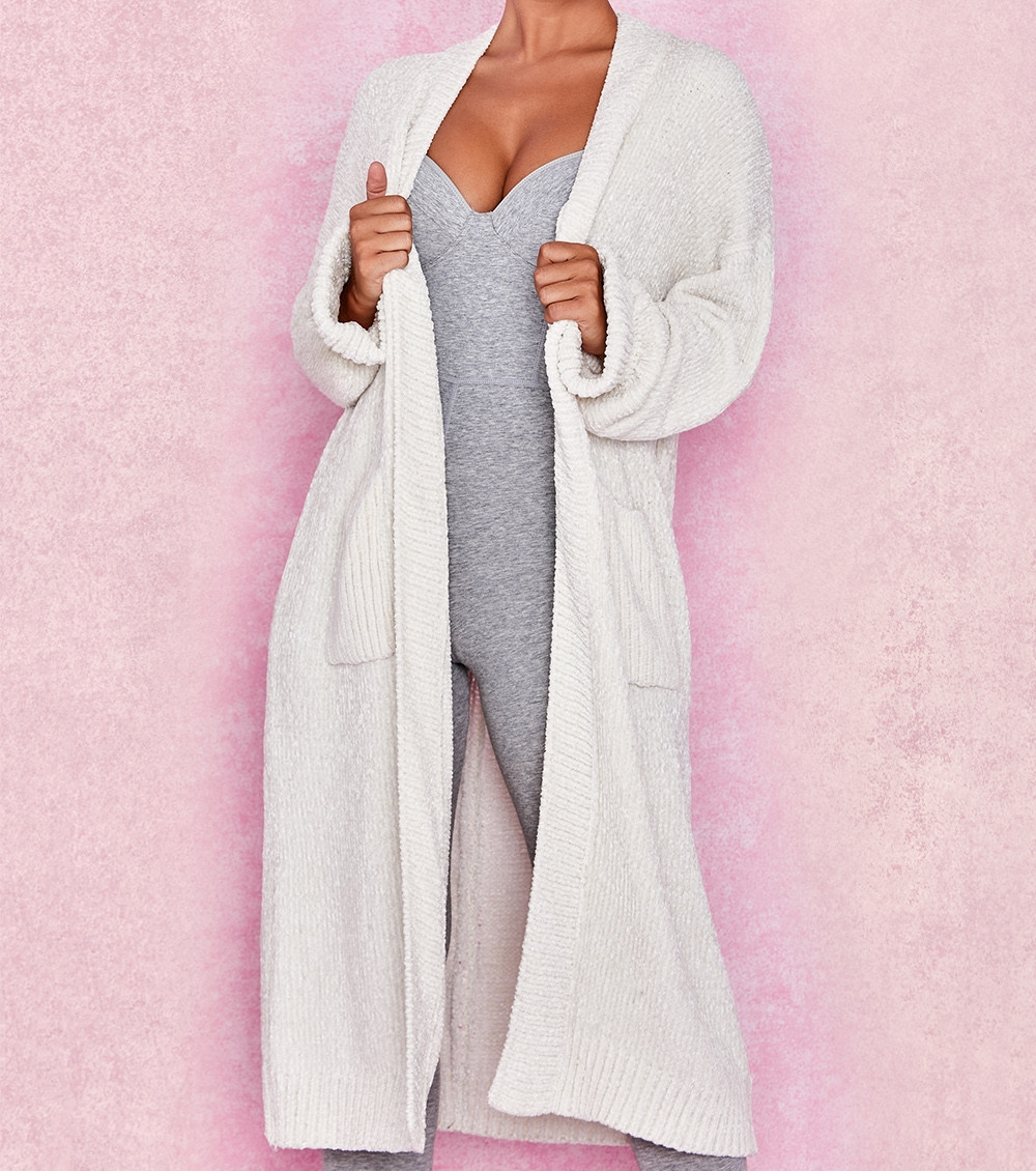 COZY CARDIGAN - Does this not look like the most chic & comfortable sweater?