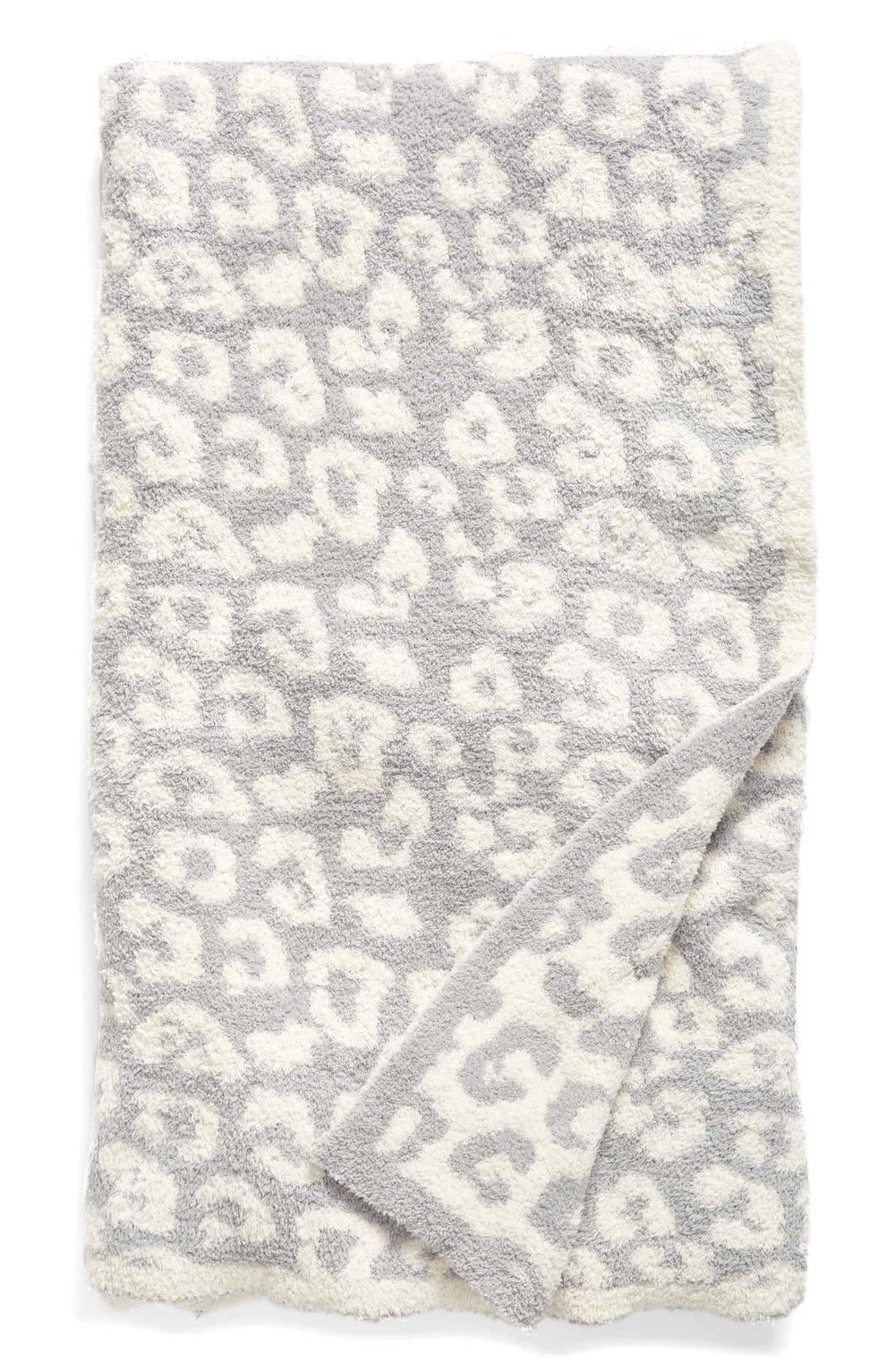 FUZZY BLANKET - LOVE Barefoot Dreams! LOVE cheetah print!