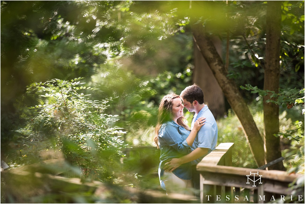 swan_house_engagement_pictures_tessa_marie_weddings_0115