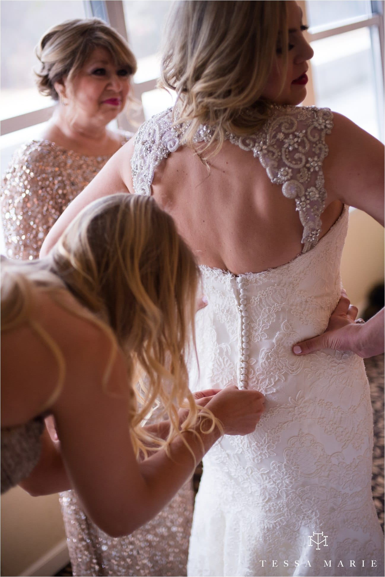 tessa_marie_brickyard_marietta_new_years_wedding_pictures_candid_emotional_wedding_portraits_0027