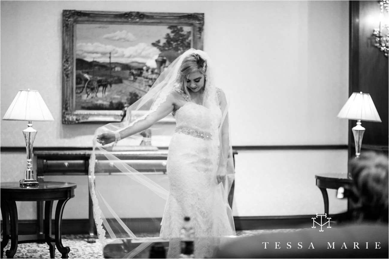 tessa_marie_brickyard_marietta_new_years_wedding_pictures_candid_emotional_wedding_portraits_0094