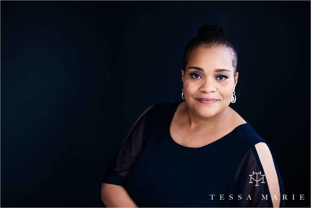 Tessa_marie_studios_womens_headshots_portraits_empowering_full_experience_something_for_mom_0038