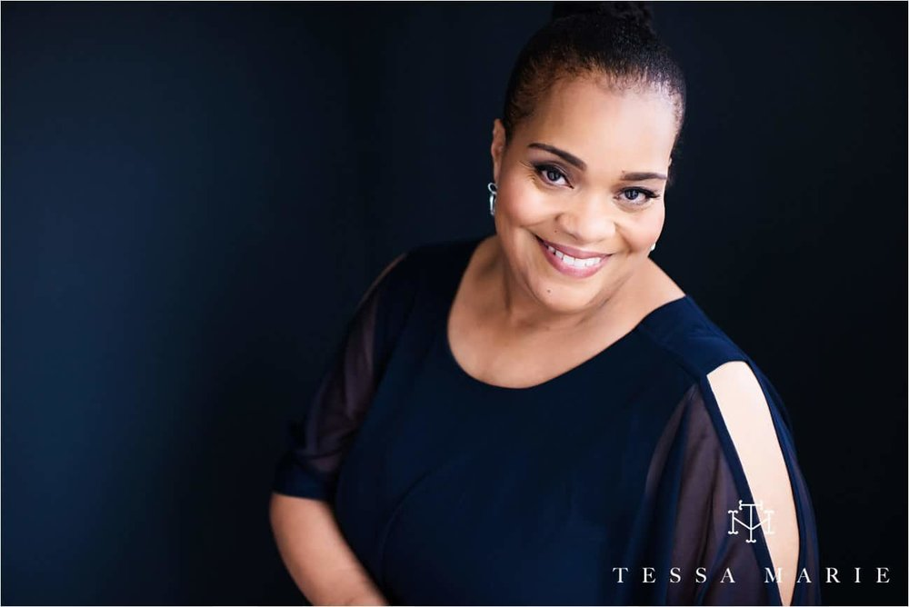 Tessa_marie_studios_womens_headshots_portraits_empowering_full_experience_something_for_mom_0040