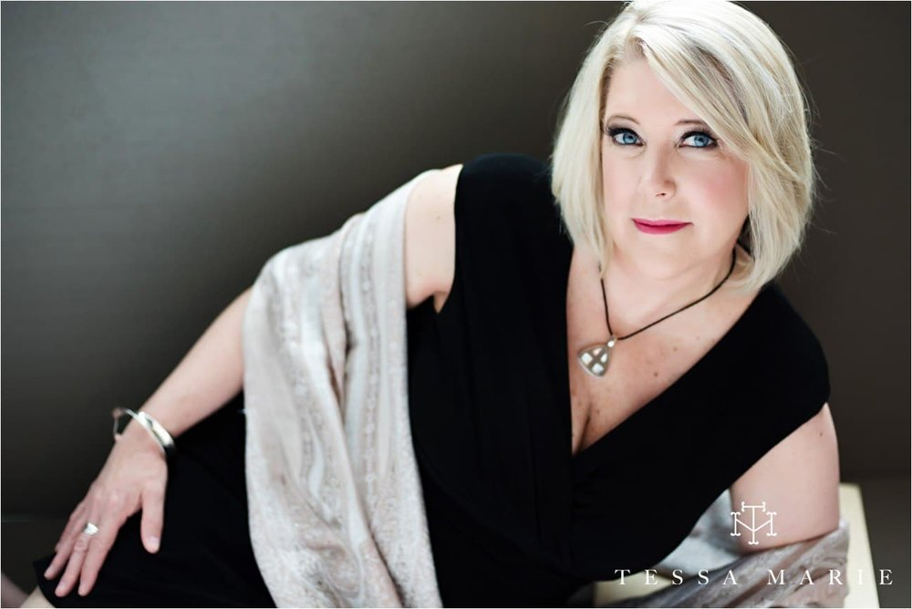 Tessa_marie_studios_womens_headshots_portraits_empowering_full_experience_something_for_mom_0054