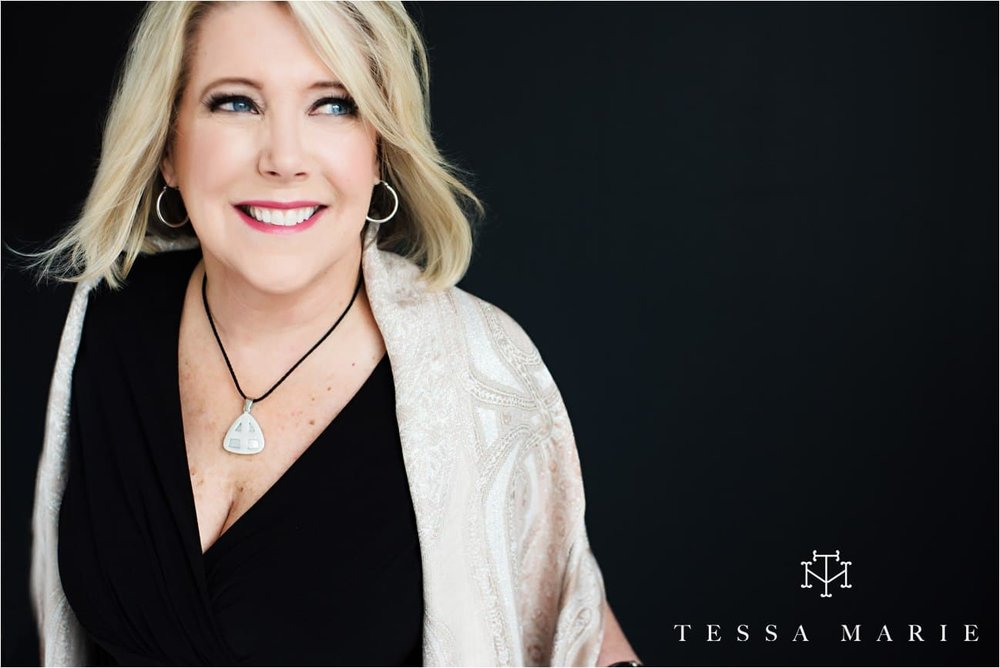 Tessa_marie_studios_womens_headshots_portraits_empowering_full_experience_something_for_mom_0059