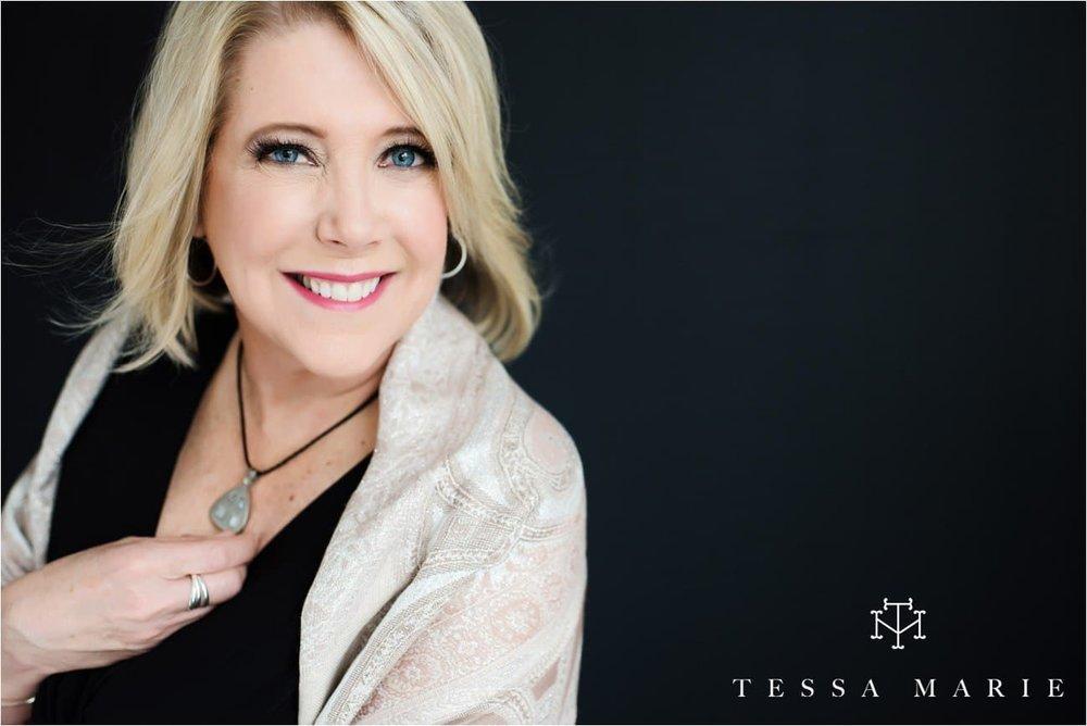 Tessa_marie_studios_womens_headshots_portraits_empowering_full_experience_something_for_mom_0061
