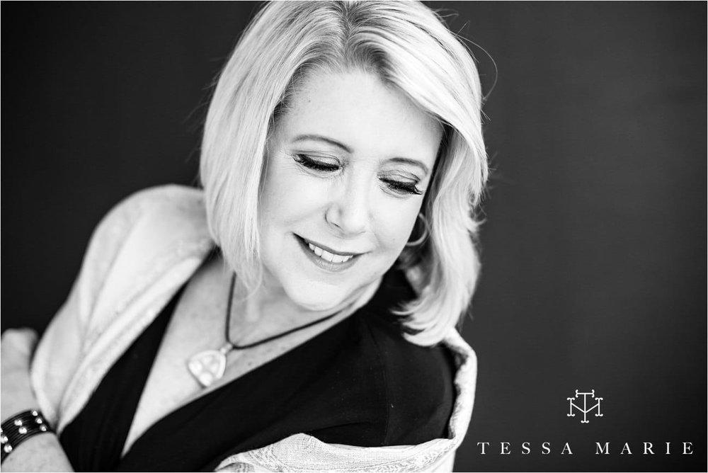 Tessa_marie_studios_womens_headshots_portraits_empowering_full_experience_something_for_mom_0066