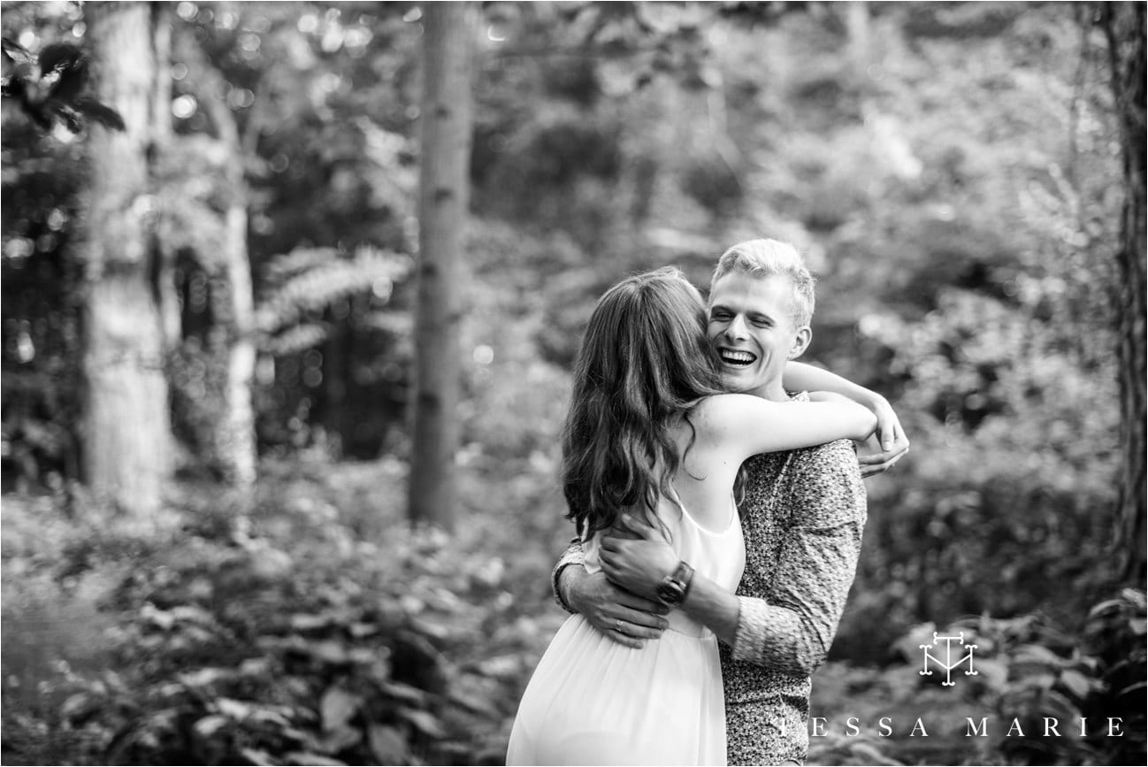 tessa_marie_studios_engagement_pictures_by_the_river_tessa_marie_weddings_0002