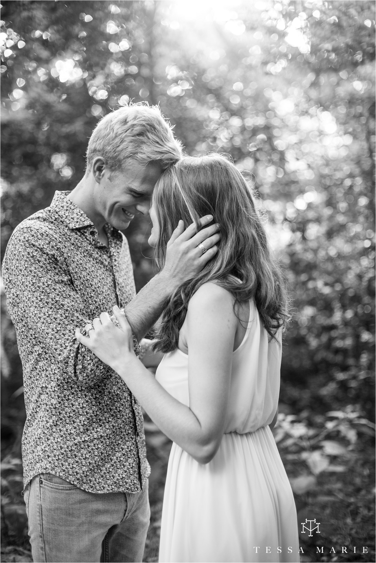 tessa_marie_studios_engagement_pictures_by_the_river_tessa_marie_weddings_0005