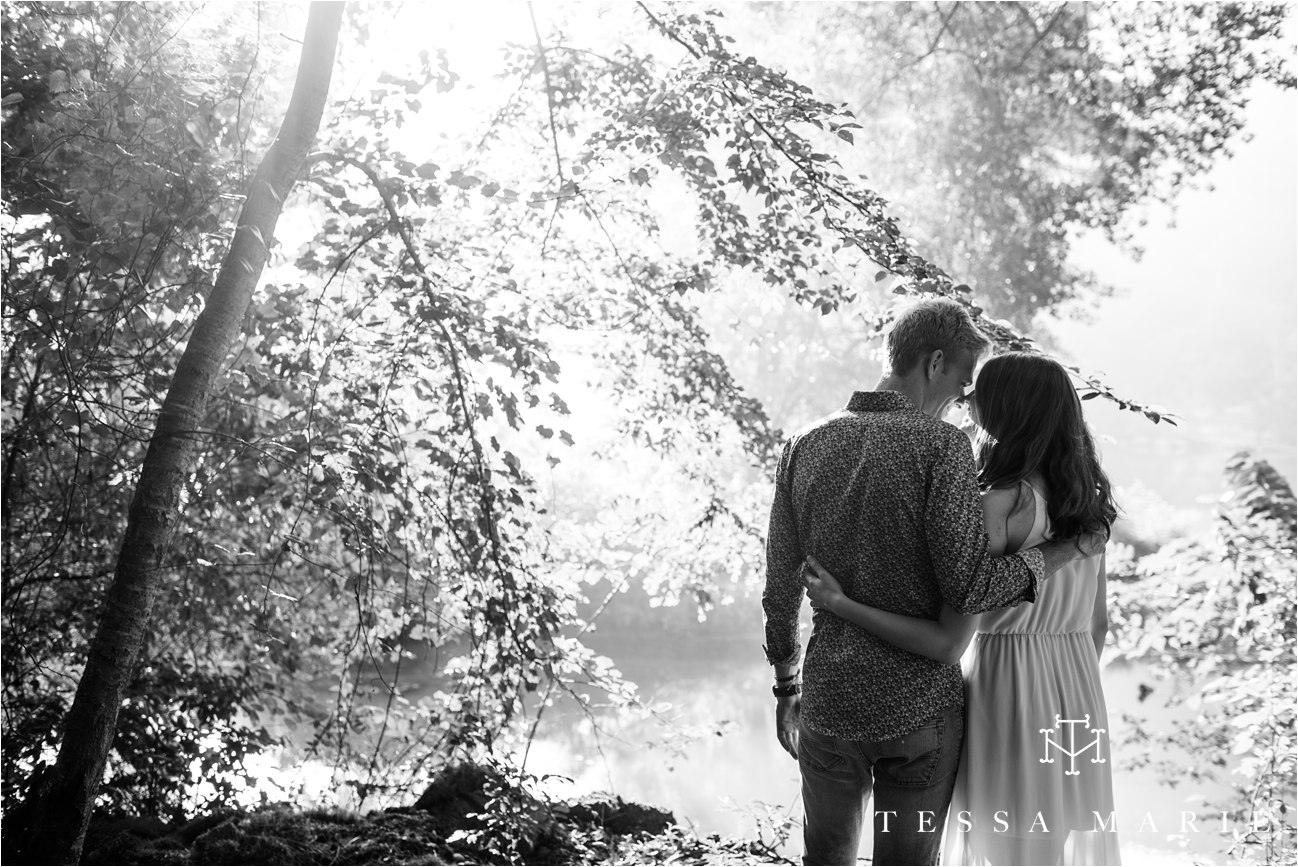 tessa_marie_studios_engagement_pictures_by_the_river_tessa_marie_weddings_0011