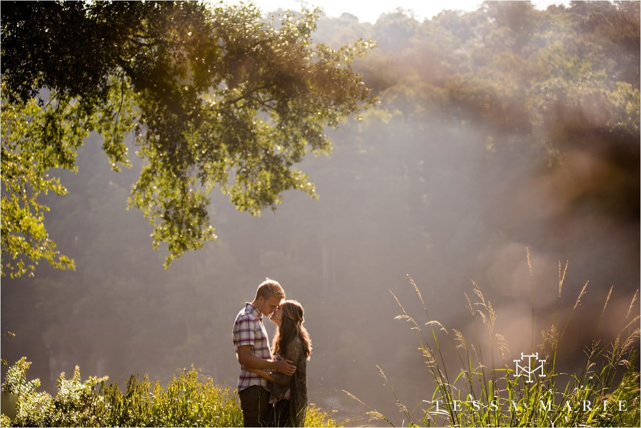 tessa_marie_studios_engagement_pictures_by_the_river_tessa_marie_weddings_0026
